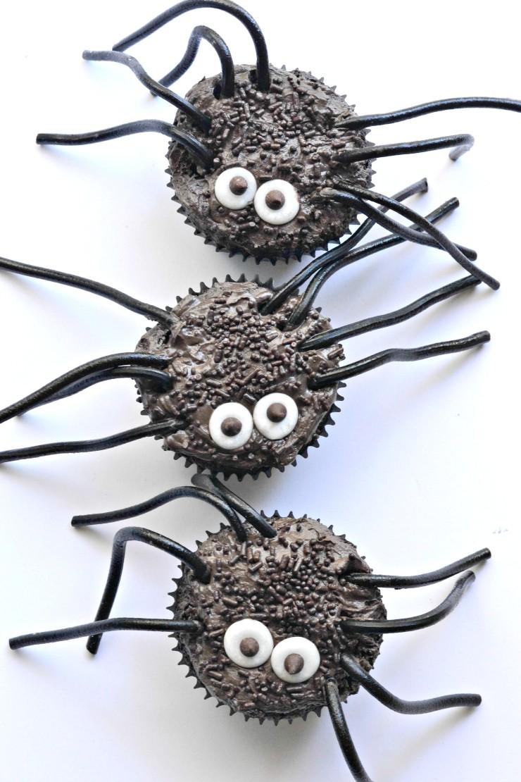 creepy-crawler-spider-cupcakes-gluten-free-vegan-740x1110