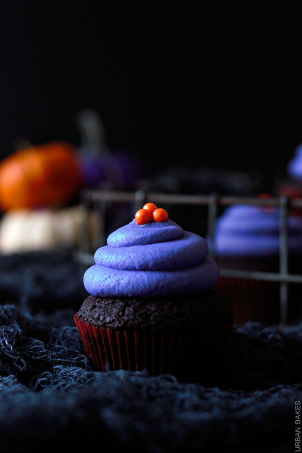 halloween-vegan-chocolate-cupcakes-urbanbakes-com-4-1
