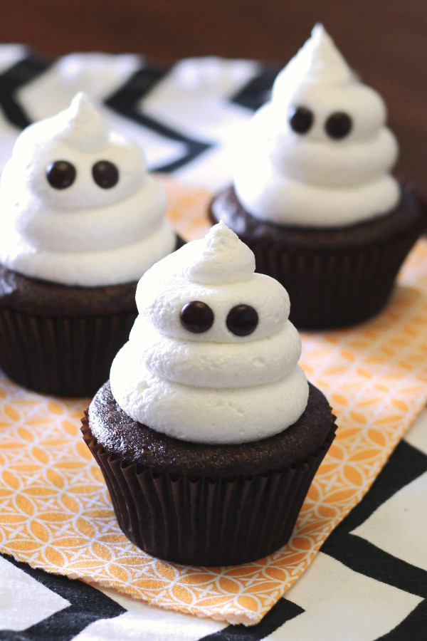 ghost-cupcakes11-600x900