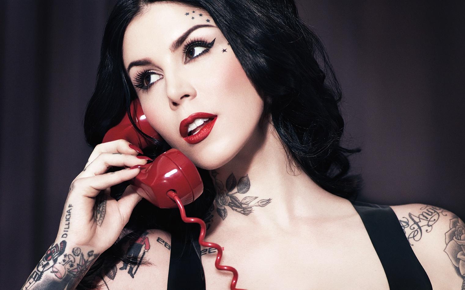 Kat Von D Launches Vegan Cruelty-Free Makeup Brushes Crème Contour Palette