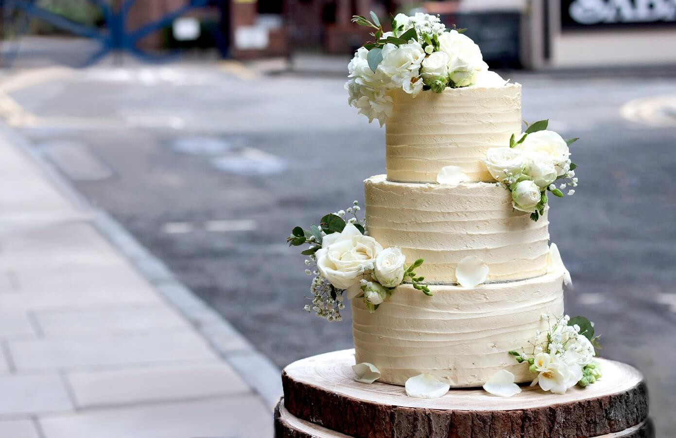 does food city make wedding cakes three tiered vegan wedding cake vegan food amp living 13674