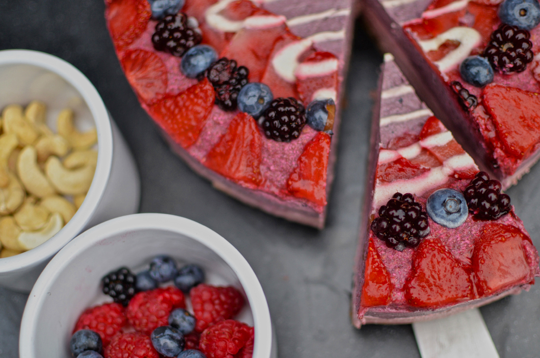 summer fruit raw cheesecake