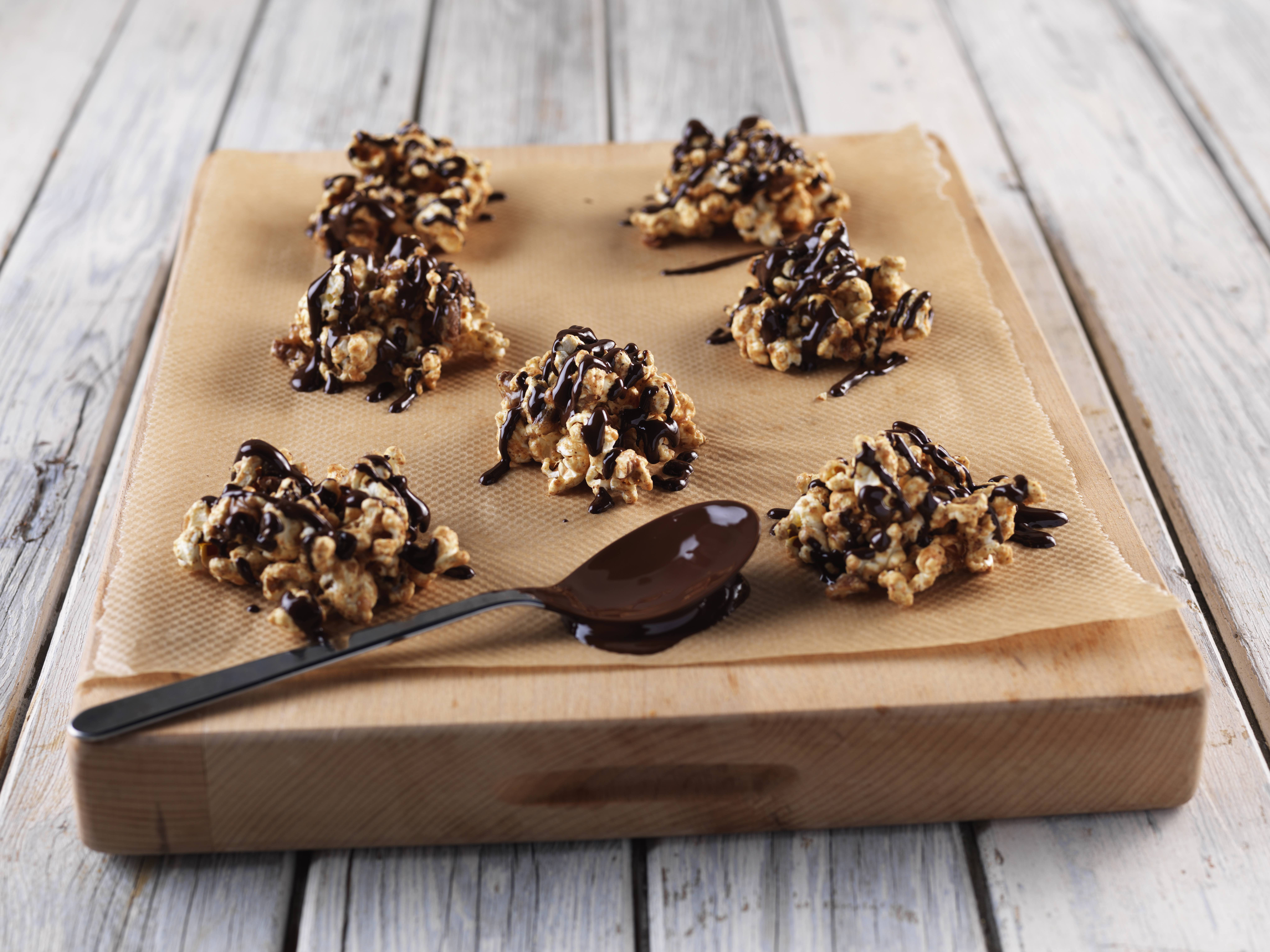 Vegan popcorn clusters
