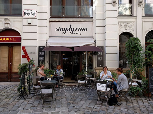 Simply Raw, Vienna