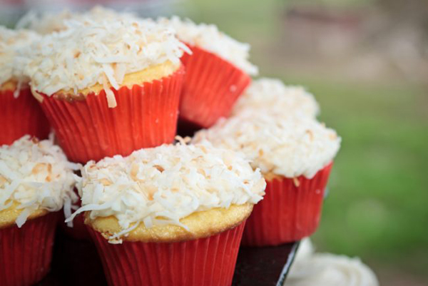coconut vegan and gluten-free cupcakes
