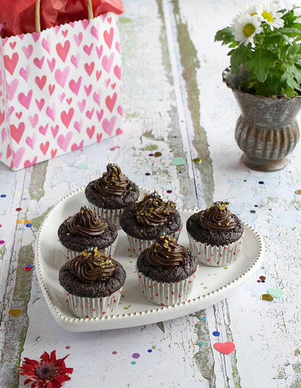 avocado vegan and gluten-free cupcakes