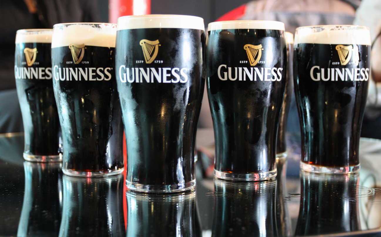 guinness removes plastic packaging