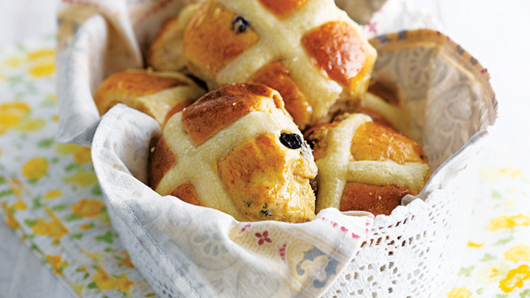 vegan hot cross buns uk