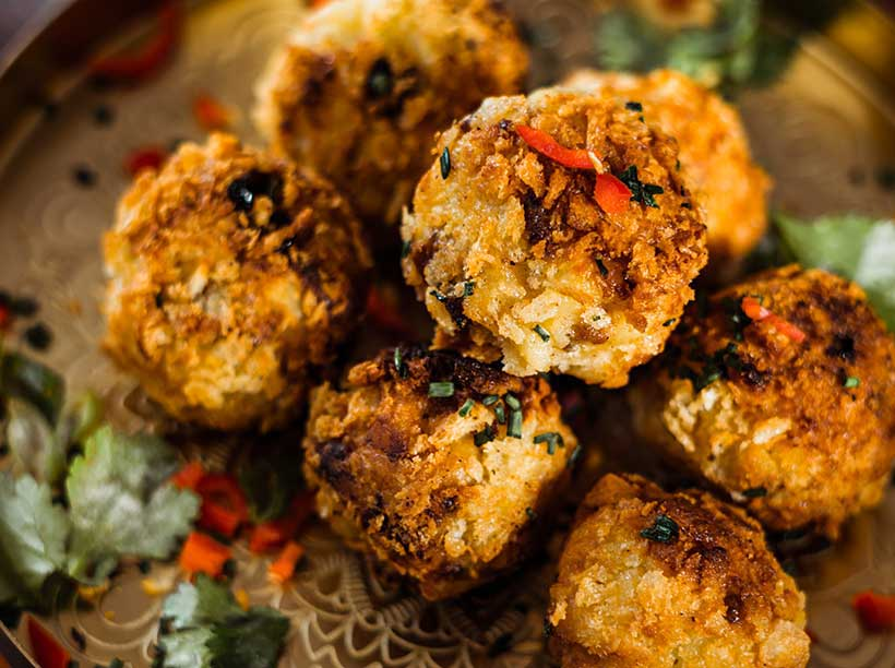 Festive Mac 'n' Cheese Balls with Mince & Cranberry